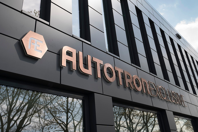 Automeisje visits new exhibitor Autotron Exclusive