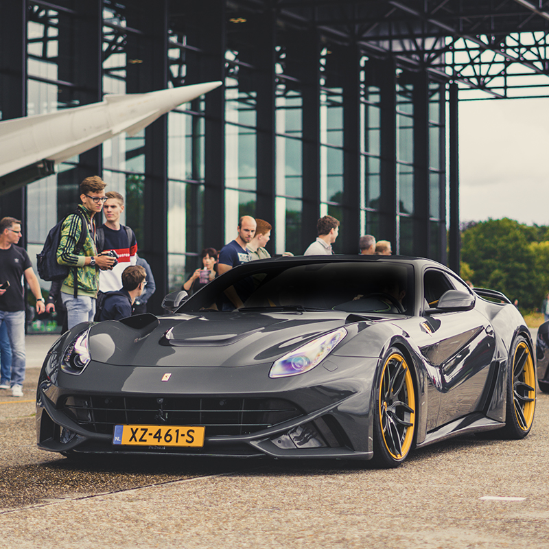 SHOWCAR IN THE PICTURE: Ferrari F12 Novitec Rosso N-Largo.