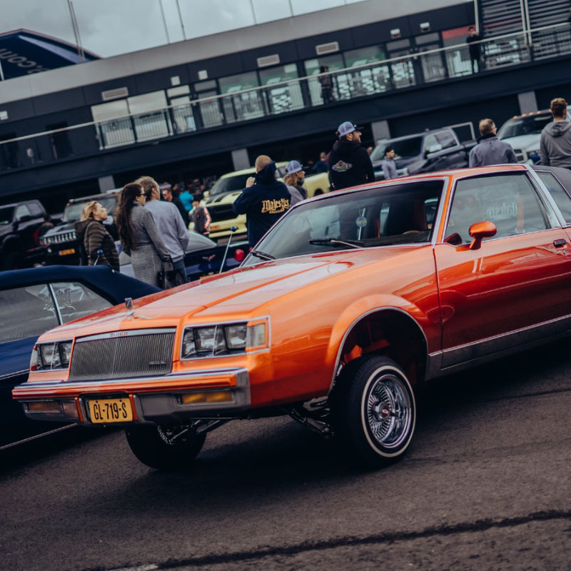 BOUNCENDE LOWRIDERS OP AMERICAN SUNDAY!