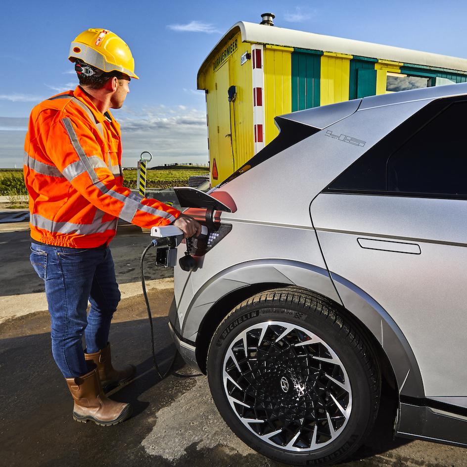 Hyundai Ioniq levert stroom aan bouwketen